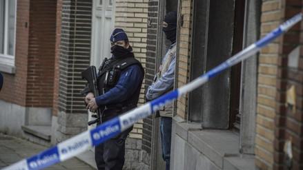 Bruselas: hallan 15 kilos de explosivos y material para confeccionarlos