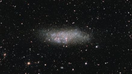 Captan nueva imagen de la solitaria galaxia WLM