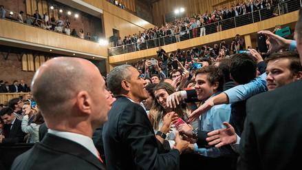 Barack Obama se da baño de popularidad en Argentina