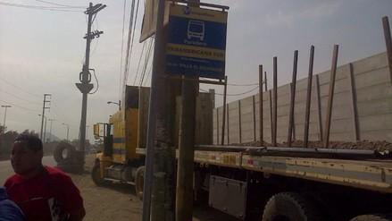 VES: pasajeros piden infraestructura en paradero de Metropolitano