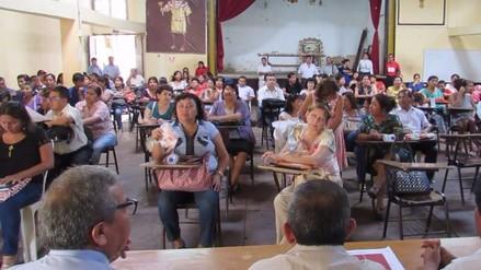 Autoridades se reúnen para tratar problemática de colegio 27 de diciembre