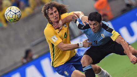 Brasil empató 2-2 con Uruguay y Luis Suárez fue una pesadilla