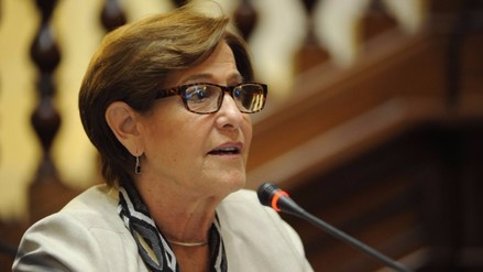 Villarán critica a PPK por duros comentarios contra Verónika Mendoza