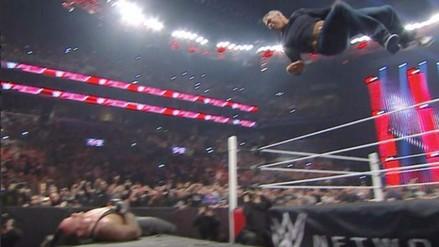 WWE: Shane McMahon destrozó al Undertaker previo a WrestleMania 32