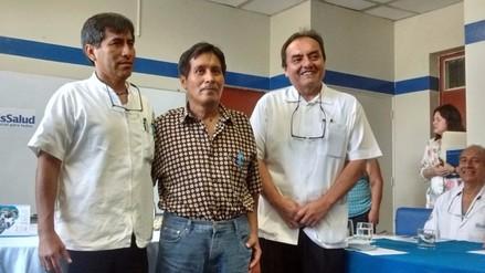 EsSalud realizó primer implante de discos lumbares vía abdominal