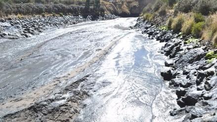 Derrame de relaves mineros contaminan afluentes del río Colca