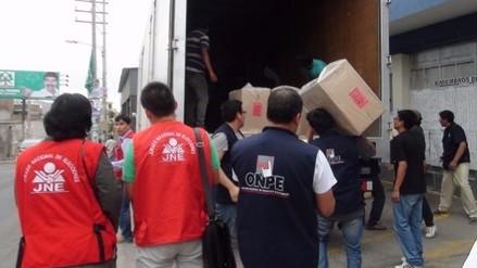 ONPE inició desplazamiento de material electoral al interior de la región