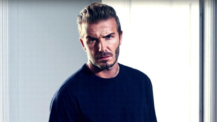David Beckham agregó un enorme tatuaje a su larga colección corporal
