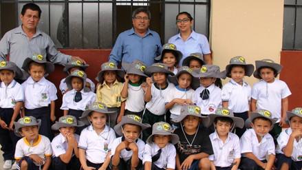 Entregan gorros a escolares ante altos índices de radiación en Piura