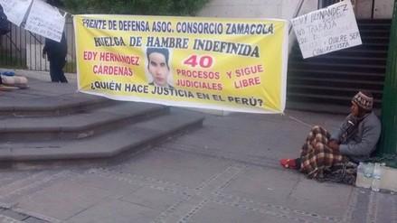 Pobladores continúan encadenados y en huelga de hambre