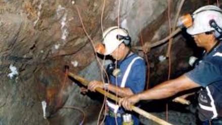 Mineros afirman que se ven obligados a usar explosivos de contrabando