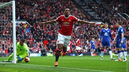 Manchester United ganó 1-0 al Everton con gol de Anthony Martial