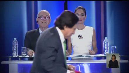Debate: Alejandro Toledo cruzó delante de la cámara y es viral