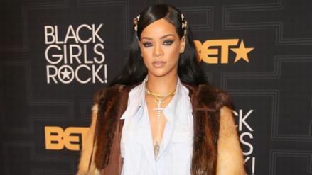 Rihanna puede caminar con los tacones más peligrosos del mundo