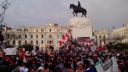 Así fue la movilización contra el autogolpe del 5 de abril
