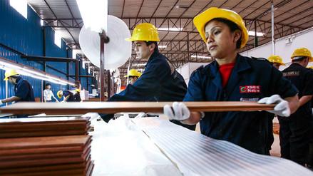 Solo el 35% de los peruanos está feliz con su trabajo