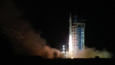 China lanza al espacio un satélite científico recuperable