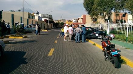Motociclista fallece tras choque contra automóvil