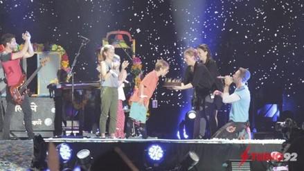 Fans peruanos de Coldplay le desean feliz cumpleaños a Moses Martin