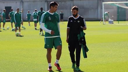 Facebook: Juan Vargas volvió a entrenar con normalidad en Betis