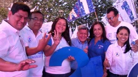 Acuña participó de cierre de campaña de candidatos al congreso por Piura