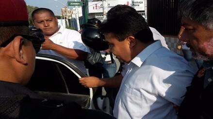Detienen a secretario judicial cobrando presunta coima de 300 soles