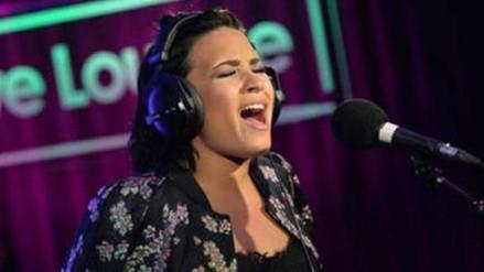 Demi Lovato sufrió otra bochornosa caída
