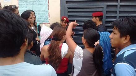Varios ciudadanos se quedaron sin emitir su voto en el colegio San José