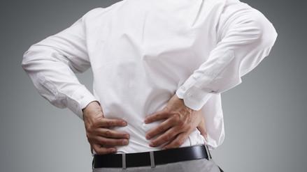 Parkinson: dolor de espalda y letra pequeña entre signos de alerta
