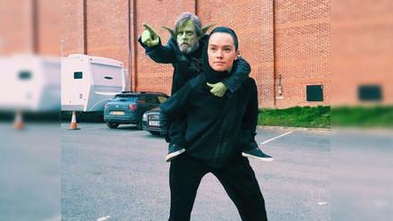 Twitter: foto de Mark Hamill y Daisy Ridley genera hilarantes reacciones en la red