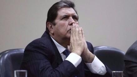 Alan García renunció a la presidencia del partido aprista