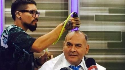 Abogado de Alan García pagó apuesta y se rapó el cabello
