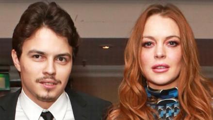Lindsay Lohan mostró su insólito anillo de compromiso
