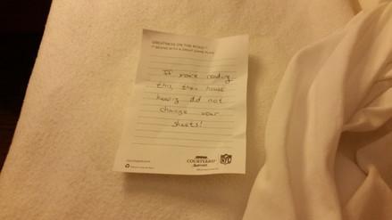 Reddit: huésped de un hotel encontró un mensaje preocupante en su habitación