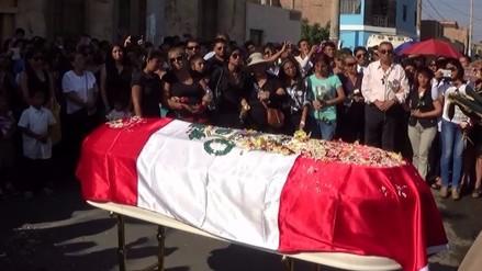 Rinden homenaje a policía fallecido tras accidente en Huacho