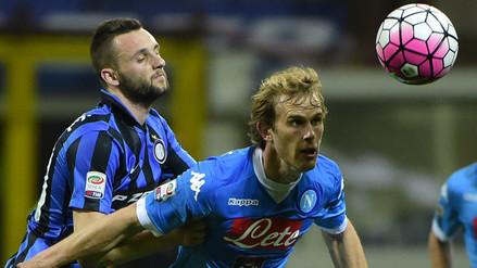 Video: Nápoli cayó 2-0 con Inter y Juventus está más cerca del Scudetto