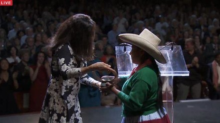 Máxima Acuña recibió premio Goldman en EE.UU.