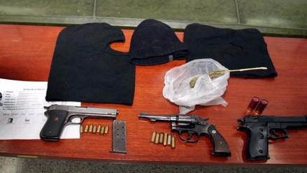 PNP decomisa armas, municiones, pasamontañas y detienen a 14 delincuentes en Pomalca