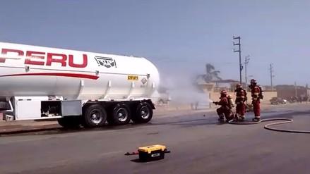 Chiclayo: chocan cisternas de combustible y evacuan a personas por fuga de gas