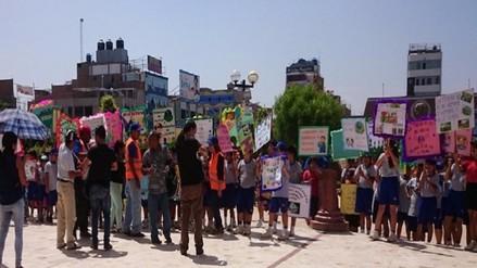 Escolares reclamaron a Alcalde por pésimo servicio de recojo de basura en JLO
