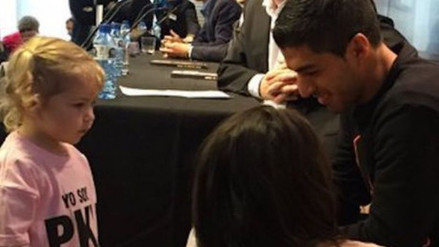 YouTube: niña con PKU conmueve hasta las lágrimas a Luis Suárez