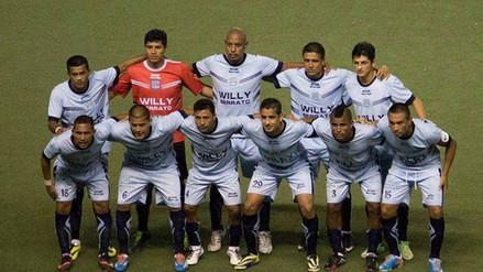 Willy Serrato no pagó el árbitro y perdió antes de debutar en Segunda