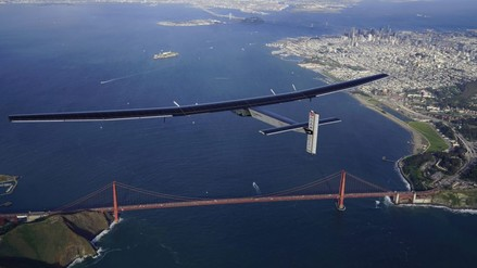 Avión solar aterrizó en San Francisco tras atravesar el Pacífico