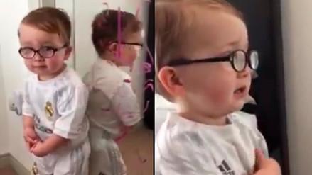 Facebook: bebé hace travesura y le echa la culpa a Batman