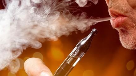 Cigarrillo electrónico: adolescentes son más propensos a su consumo