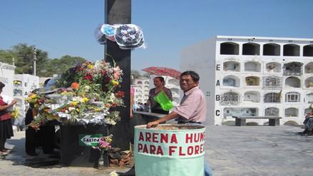 Piura: profanan tumba en cementerio de Las Lomas