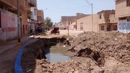 Cien viviendas podrían colapsar por constantes colapsos de desagües en Jlo