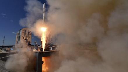 Rusia estrena nuevo cosmódromo con lanzamiento de cohete
