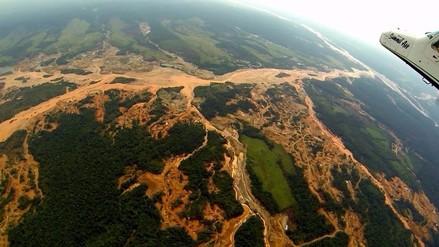 Minería y tala ilegales han llegado a cinco áreas naturales protegidas