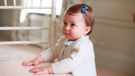 Twitter: Duques de Cambridge se anticipan al año de Charlotte con estas fotos